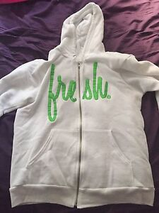 22 Fresh zip up hoodie - Medium
