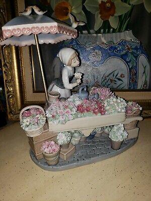 Lladro Figurine 1454 no box Flowers of the Season