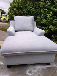 GORGEOUS DAY BED SOFA LOUNGE CHAISE CHAIR RECLINER Capalaba West Brisbane South East Preview