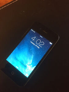 Unlocked iPhone 4 32 gb excellent condition!! Findon Charles Sturt Area Preview