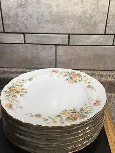 Nasco Roslyn China (Japan) Dinner Plates Peach and Yellow Flowers Gold Trim