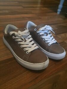 Roots Women's Brown Leather Sneakers Size 6