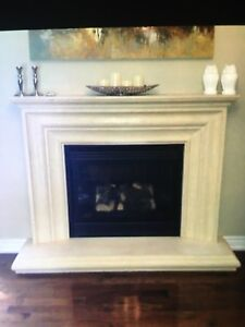 Prdcast stone mantle in excellent condition