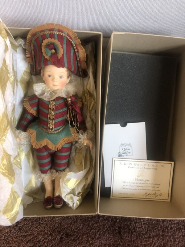 2003 R. John Wright Montague UFDC Convention Felt Doll Le Bal Masque Limited Ed