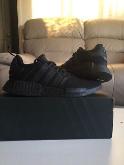 Adidas: NMD Triple Black R1