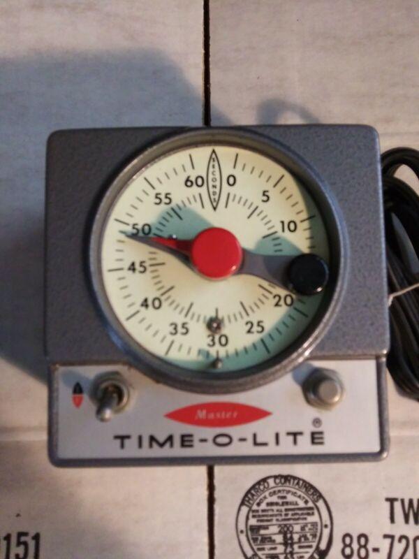 Vintage Time-O-Lite Industrial Machine Age Professional Darkroom Timer P-72