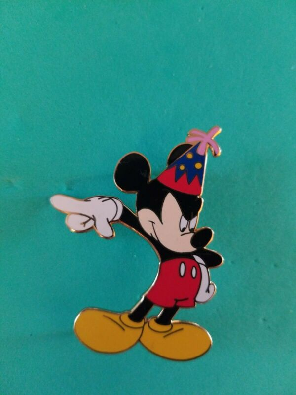 2003 Disney Pin Toontown Mickey Mouse in Birthday Hat LE  500 RARE VHTF