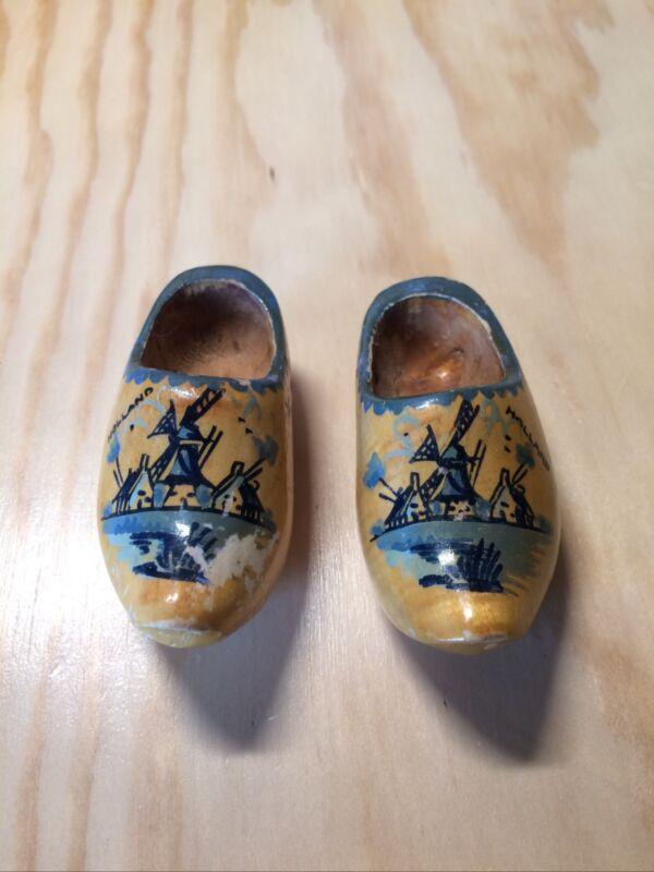 """Vtg Miniature Holland Dutch Clogs Shoes 3"""" inch Souvenir Wooden Carved Antique"""