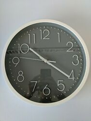 Modern Wall Clock Silent Non-Ticking Decorative Battery Operated Crack in Glass