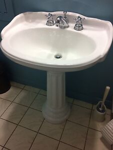Pedistal sink and faucet