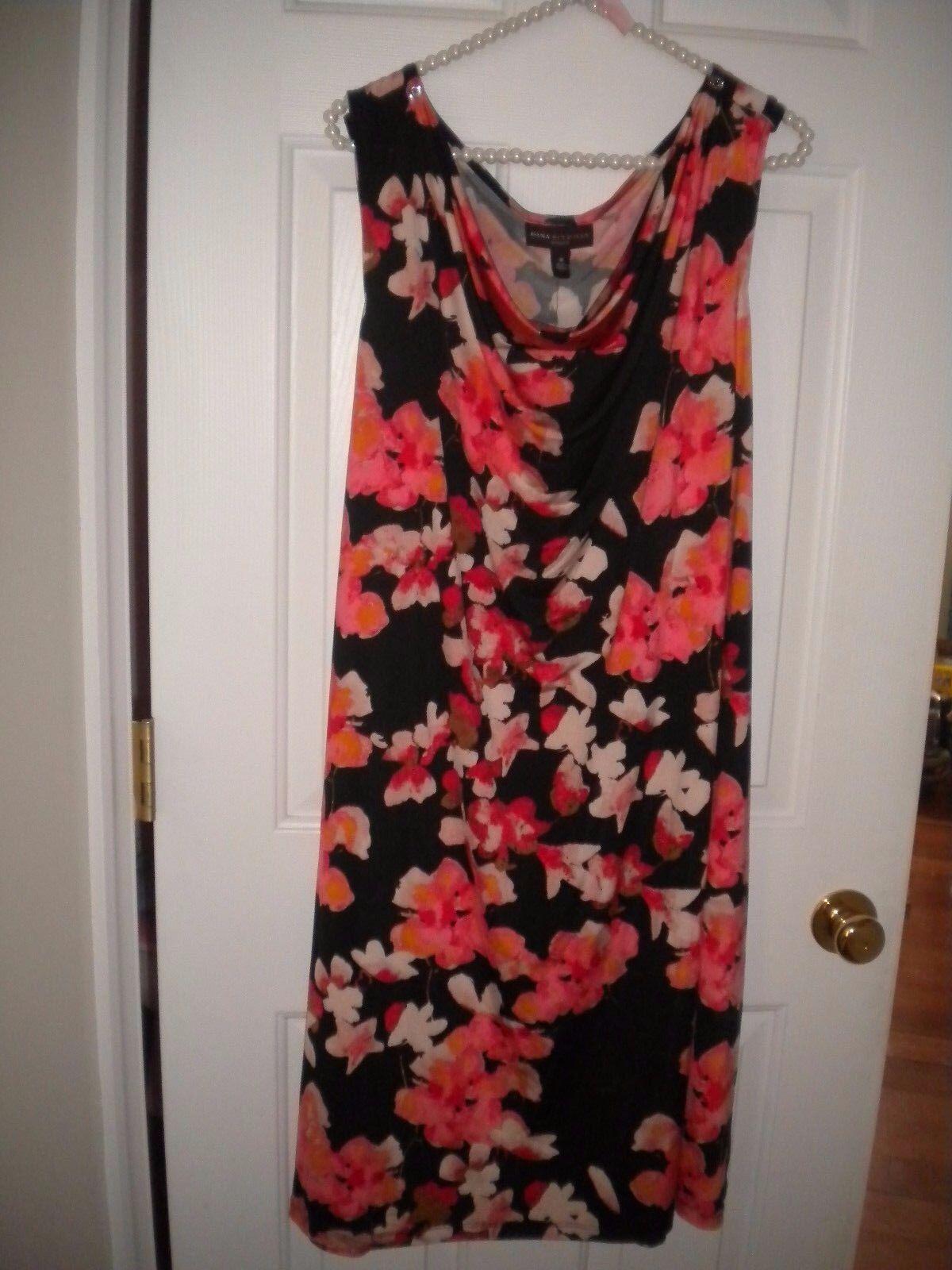 Dana Buchman Black Dress