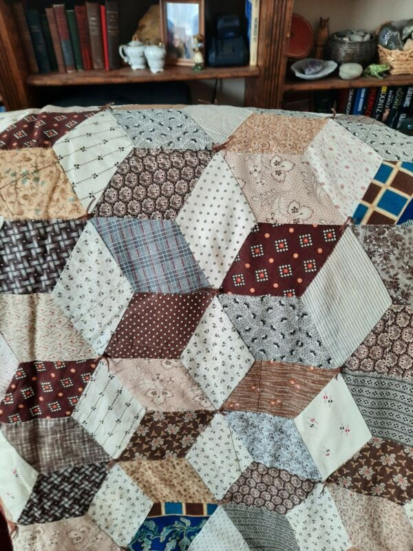 Vintage Beautifully Made ~ Hand Stitched Quilt