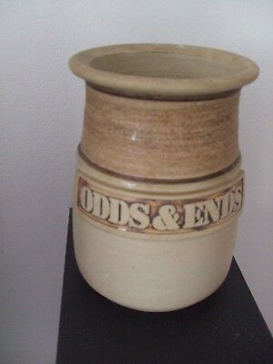 Brown Odds & Ends/Utensil  Pot