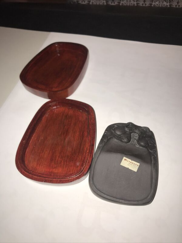 Chinese old sculptured Ink stone with dedicated case of wood