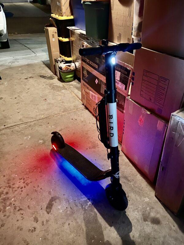 Bird  ES4-800 Electric Scooter 800W - Black