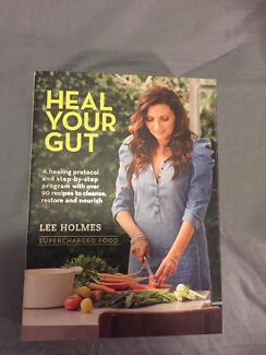 """Book """"heal your gut"""" by lee Holmes"""