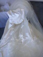 Wedding dress - designer Samantha Wynne-size 8-10 - $120 Camperdown Inner Sydney Preview