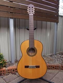 Yamaha CG171SF Flamenco Guitar Excellent Condition