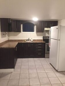 Room for rent in Etobicoke (close to Humber college)$600