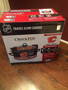 Travel crock pot/ slow cooker - Brand New never opened
