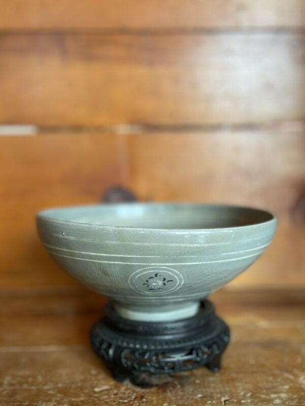 Rare Korean Celadon Bowl Koryo Dynasty 12-14th Century + Old Wooden Stand & Box