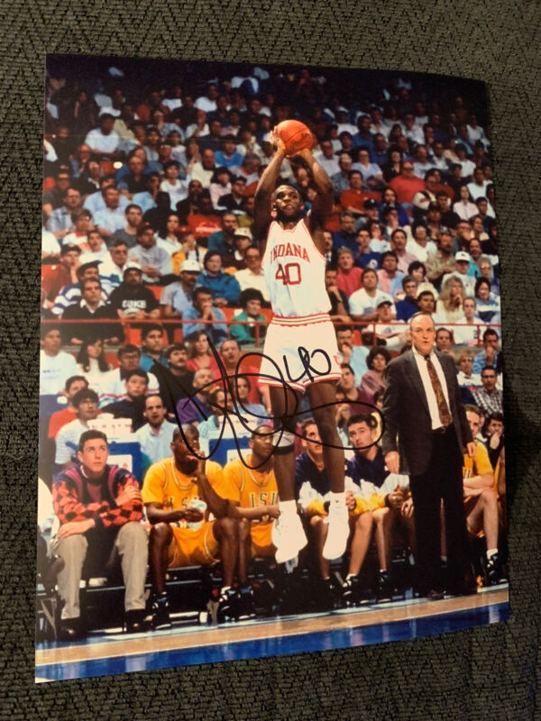 Calbert Cheaney signed 8 X 10 Photo Autographed Indiana Hoosiers Legend