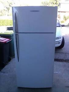 fridge freezer fisher paykel 520 2 yrs use can deliver Caringbah Sutherland Area Preview