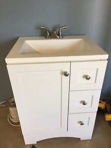 Nice modern white 24 inch vanity sink and taps