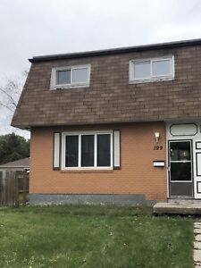 Close to U of M 4 bedrooms 2.5 full bath