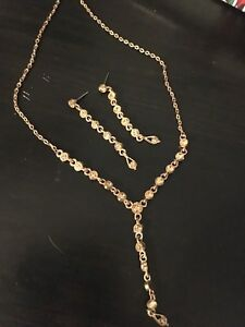 Fashion earrings and necklace, bronze colour