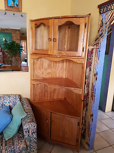 PINE CABINET Southport Gold Coast City Preview