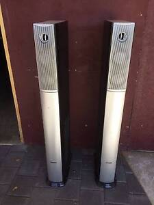 Precision audio pair speakers Used in shed. Drill holes in base Kewdale Belmont Area Preview