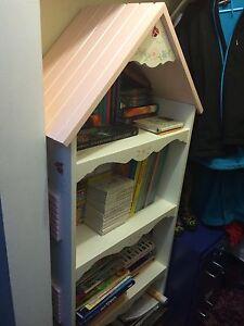 Girls bookshelf