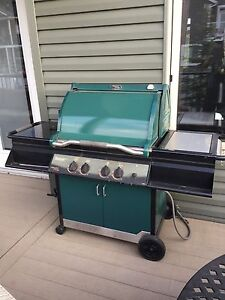 Vermont castings BBQ 4 burner great condition 275.00 obo gas.