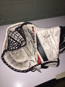 CCM Eflex 3 Gloves *FULL RIGHT* $200 OBO