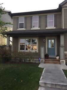 Gorgeous Duplex For Rent In NW