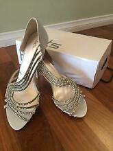 Womens silver size 10 formal shoe BRAND NEW Cardiff Lake Macquarie Area Preview