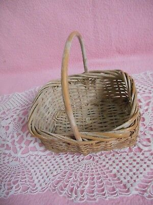 Vintage   Rectangular  Woven  Wicker  Basket  With Handle ()