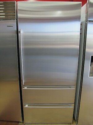 Sub-Zero IT36CIRH 36 Inch Built-In Bottom-Freezer Refrigerator Stainless Steel