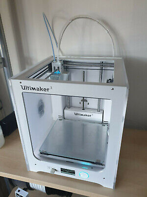 Ultimaker 3 dual extrusion 3d printer! - Plus 4 rolls of PLA material