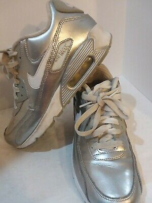NIKE AIR MAX SILVER SHOES SIZE 5Y, UNISEX
