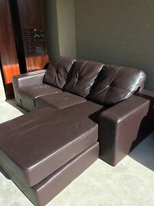 Free! Very Comfortable Lounge Rivervale Belmont Area Preview