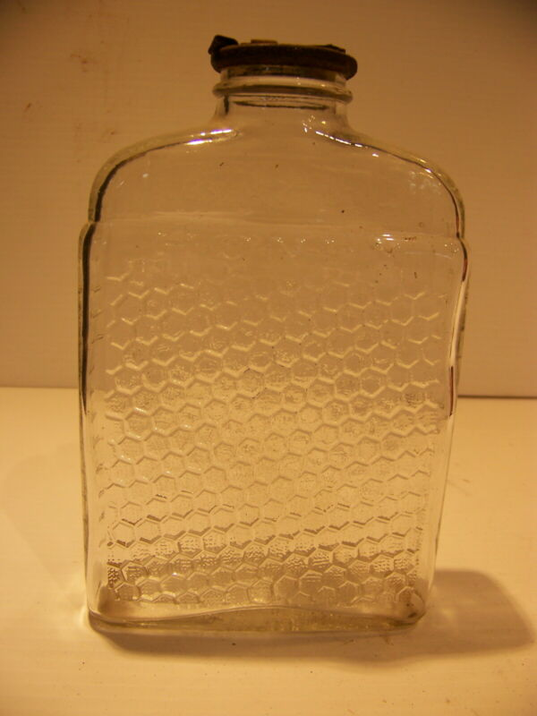 VINTAGE LAKE SHORE HONEY BOTTLE WITH NO DRIP METAL LID HONEYCOMB DESIGN