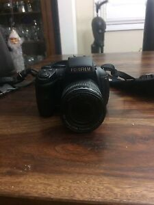 Fujifilm HS30 EXR price reduced $200