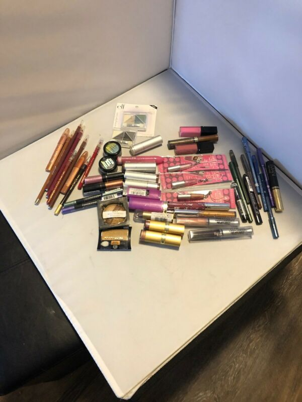 Wholesale Lot 50 Items 10 Lipstick 10 Shadows 10 Glosses 10 Eyeliner 10 Lip Line