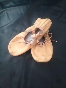 Ballet shoes Glenmore Park Penrith Area Preview