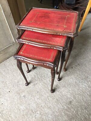 Vintage Traditional Used Nest Of 3 Tables Red Leather Tops 28/10/O