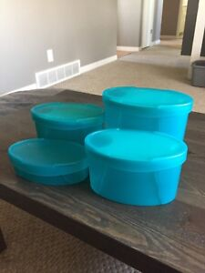 4 piece Tupperware set