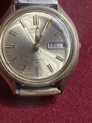 Vintage Seiko Men's Automatic Day Date Watch - 7006-8089 Runs Good