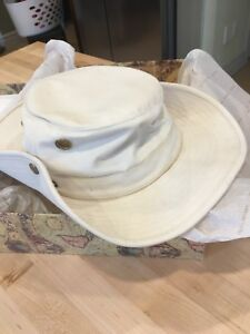 Tilley Hat size 8 / 25 inch